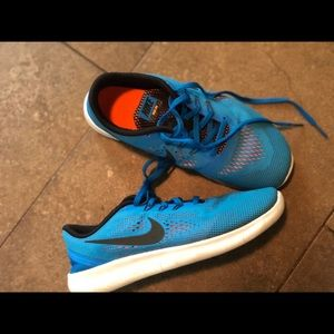 Nike Big Kids Free RN Blue / Orange Size 5.5Y